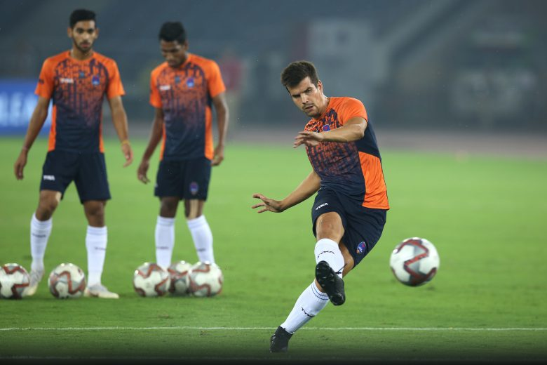Andrija Kaludjerovic of Delhi Dynamos FC during the warmup session before the start of match 23 of the Hero Indian Super League 2018 ( ISL ) between Delhi Dynamos FC and Northeast United FC held at Jawaharlal Nehru Stadium, New Delhi, India on the 30th October 2018 Photo by: Deepak Malik /SPORTZPICS for ISL
