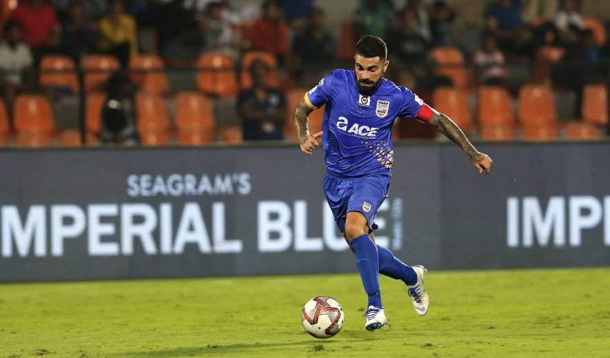 Paulo Machodo of Mumbai City FC takes a shot at the goal and scores during match 62 of the Hero Indian Super League 2018 ( ISL ) between Mumbai City FC and Bengaluru FC held at The Mumbai Football Arena in Mumbai, India on the 27th January 2019 Photo by: Vipin Pawar /SPORTZPICS for ISL play-off