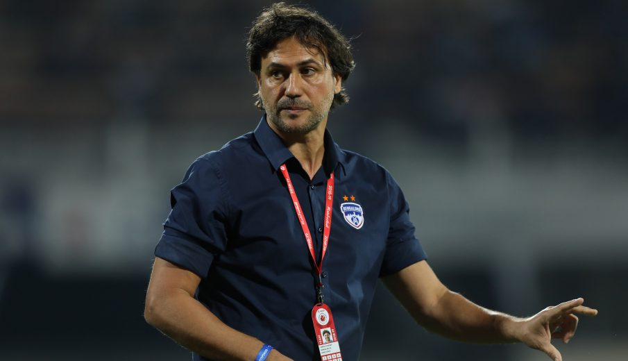 Bengaluru FC Head Coach, Carles Cuadrat during match 82 of the Hero Indian Super League 2018 ( ISL ) between Bengaluru FC and FC Goa held at the Sree Kanteerava Stadium, Bengaluru, India on the 21st February 2019 Photo by: Arjun Singh /SPORTZPICS for ISL