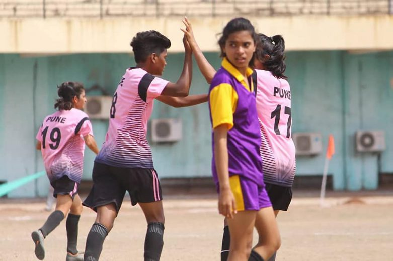Day 2 of the WIFA organized Women's Inter District Football Tournament ended with 16 teams facing each other in a knock-out game. Buldhana, Pune, Kolhapur