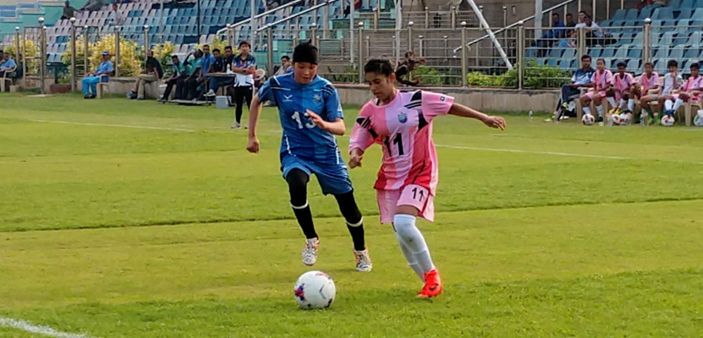 Bangladesh and Manipur schools score comfortable victories while schools representing Assam and Tamil Nadu edge their opponents to qualify for semi-finals of Subroto Cup U17 girls category