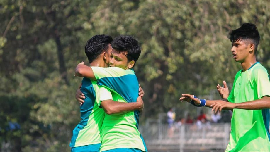 A dominating performance from HDFC sees the Bankers romp home to 4-0 win over Maharashtra State Police in MDFA Elite Division game