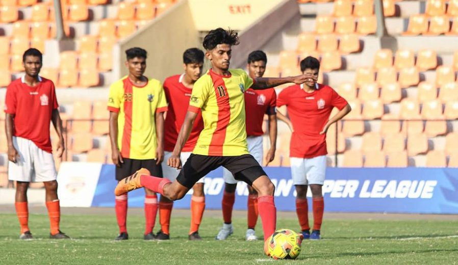 Elite division witnessed 2 draws as Companeroes, GMSC, BOB, Mumbai Customs all shared a points apiece while Super Division witnessed a 9 goal thriller