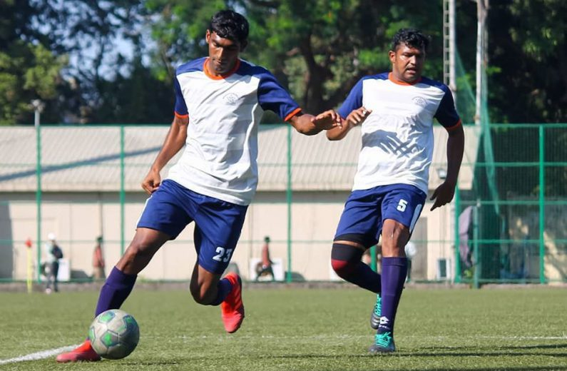 A late strike from Deepak Patil ensured MS police walked away with a point against Central Bank of India while Super Division, Tarun SC hammer 8 past Spartans SA