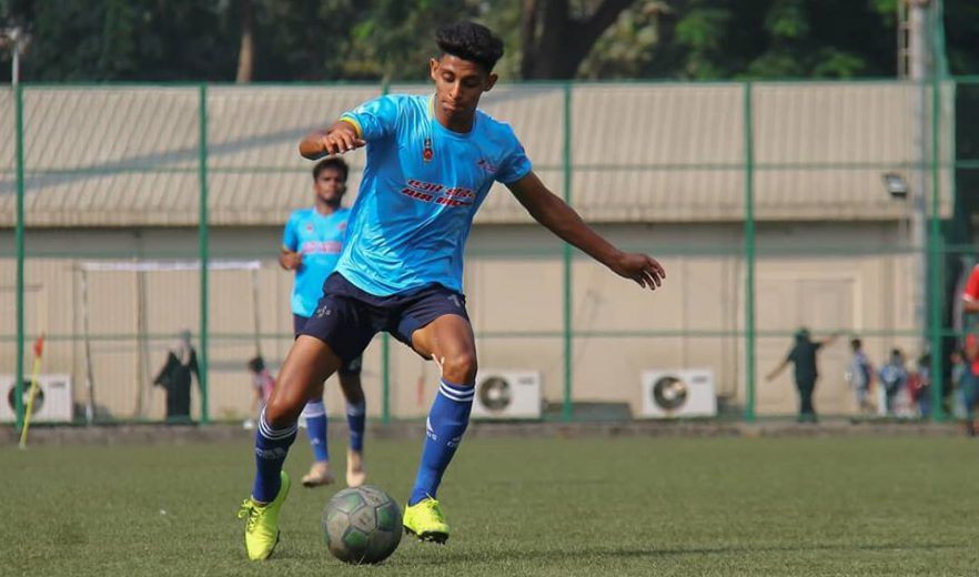An injury time strike from Azza Noorani rescued a point for Air India as they held UBI to a 2-2 draw, in other game Customs breeze past Central Railway.
